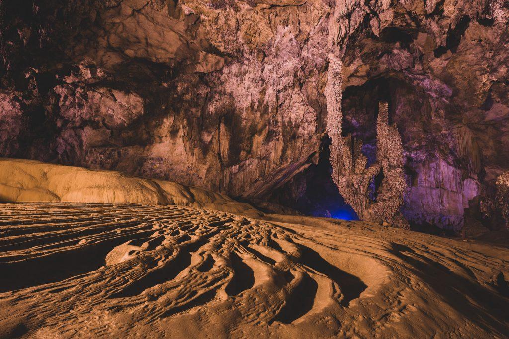Ban Gioc cave
